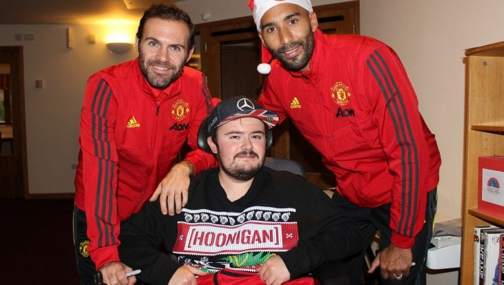 Manchester United players with Francis House family